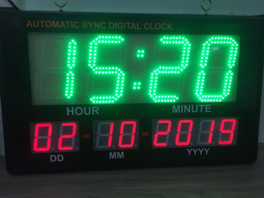 Đồng hồ GPS hiển thị giờ phút ngày tháng năm LDNam